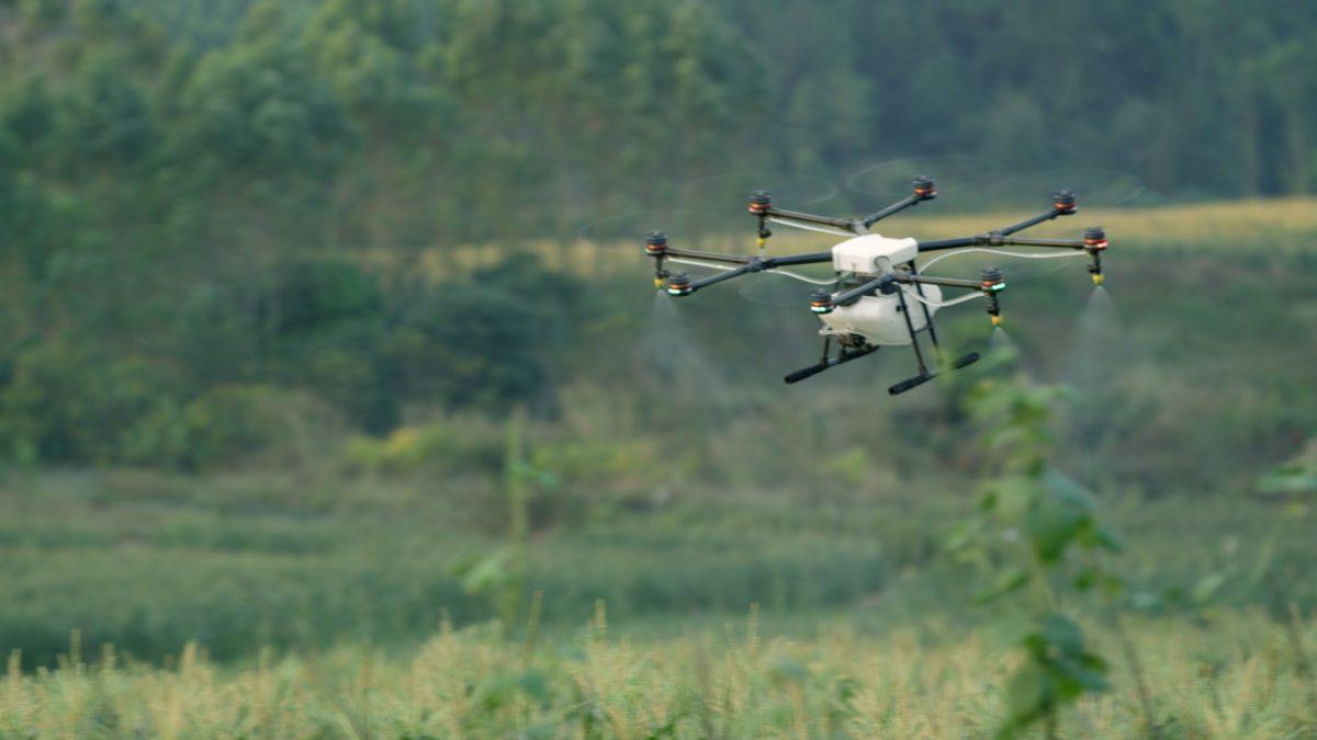 DJI 農薬散布機AGRAS MG-1の紹介映像(英語)